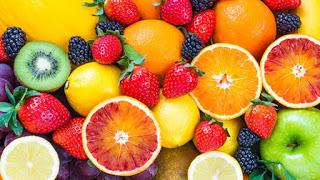 Ποια φρούτα βοηθάνε στην απώλεια βάρους;