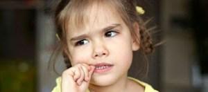 Πώς να σταματήσει το παιδί μου να τρώει τα νύχια του