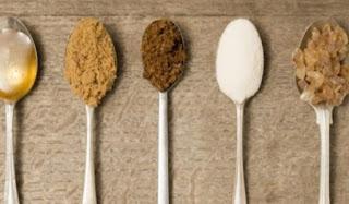 Read more about the article Λευκή ή καστανή ζάχαρη: Ποια είναι πιο υγιεινή;