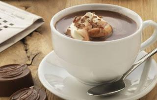 Οι λόγοι για να πιούμε μια ζεστή σοκολάτα