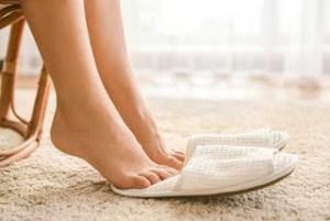 Γιατί πρέπει να περπατάμε πιο συχνά ξυπόλυτοι