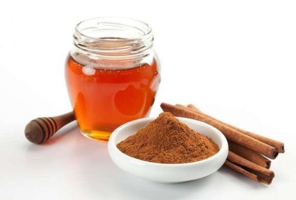Πιείτε μέλι με κανέλα το πρωί για αδυνάτισμα!.fiftififti.eu