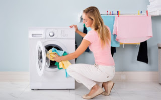 Read more about the article Τέσσερις χρήσιμες συμβουλές για το πλύσιμο των ρούχων