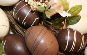 Φτιάξτε χωρίς κόπο πασχαλινά αβγά από σοκολάτα
