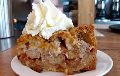 Φτιάξτε αφράτο και λαχταριστό κέικ μήλου!