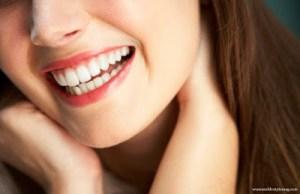 Οι 6 τροφές που θα σου χαρίσουν το πιο αστραφτερό χαμόγελο!