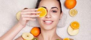 Αυτές είναι οι τροφές που προκαλούν την πρόωρη γήρανση του δέρματος