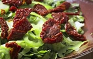 Η καλύτερη συνταγή για σαλάτα μαρούλι με βαλσάμικο