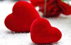 Ποια ζώδια αντέχουν να «καούν» στη φλόγα του έρωτα;