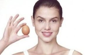 Θαυματουργή μάσκα για το πρόσωπο με ασπράδια από αυγά και χυμό λεμόνι!