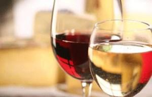 Με ποια φαγητά ταιριάζει το κόκκινο και με ποια το λευκό κρασί;