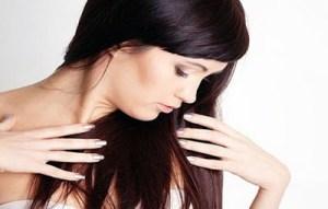Read more about the article Έχεις λιπαρά μαλλιά; Συμβουλές για να μη σας «λαδώνουν» εύκολα