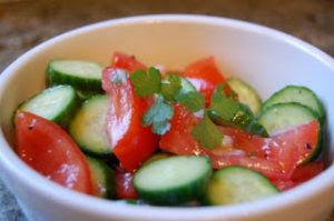 Το Απόλυτο Σοκ: Ποτέ ξανά ντομάτα μαζί με αγγούρι στη σαλάτα – Δείτε γιατί…