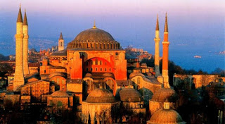 Read more about the article Αγία Σοφία: Ποιο μυστήριο κρύβουν τα τούνελ κάτω από το ναό