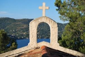 Ο σταυρός μας μπορεί να γίνει Ανάσταση μόνο μέσα από την Πίστη