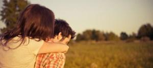 Οι γυναίκες είναι πιο ευτυχισμένες με έναν λιγότερο όμορφο άντρα