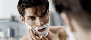 Η Τέτα Καμπουρέλη συμβουλεύει: Φροντίστε τους συντρόφους σας ξυρίζοντάς τους με… σαντιγί!