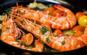 Read more about the article Γαρίδες με ντοματίνια σκόρδο και σος μουστάρδα