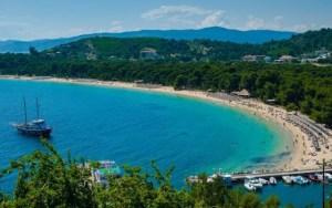 Παραλίες της Ελλάδας: Κουκουναριές, Σκιάθος