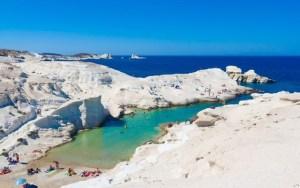 Παραλίες της Ελλάδας:Σαρακήνικο, Μήλος