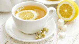 Τσάι με φλούδα λεμονιού