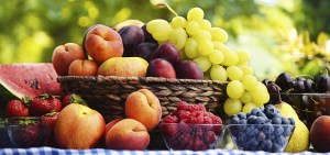 Σεφ εξηγεί γιατί πρέπει να αγοράζουμε τα χτυπημένα φρούτα και όχι τα «όμορφα»