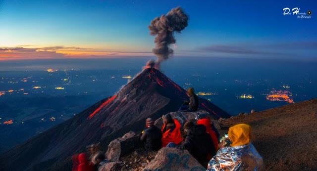 Read more about the article 65 νεκροί και εκατοντάδες αγνοούμενοι από την έκρηξη του Φουέγο στη Γουατεμάλα