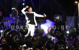 Ο κορυφαίος Έλληνας star Σάκης Ρουβάς στην πιο καλοκαιρινή συναυλία της χρονιάς!