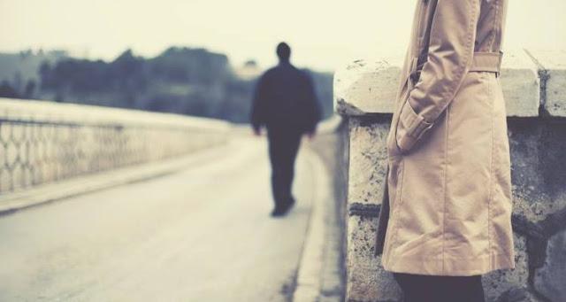 8 κινήσεις που είναι καλύτερο να αποφύγετε όταν τελειώνετε μια σχέση
