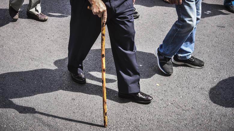Read more about the article Η Ε.Ε. ενέκρινε τον ελληνικό προϋπολογισμό χωρίς περικοπές στις συντάξεις