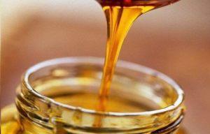 Μάσκα μαλλιών  με μέλι και κανέλα