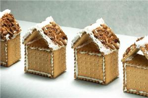 Read more about the article Χριστουγεννιάτικα σπιτάκια με μπισκότα πτι-μπερ!