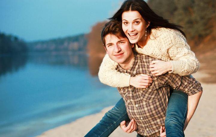 Τα 3 tips για να κάνεις κάποιον που σε ενδιαφέρει να σε ερωτευτεί