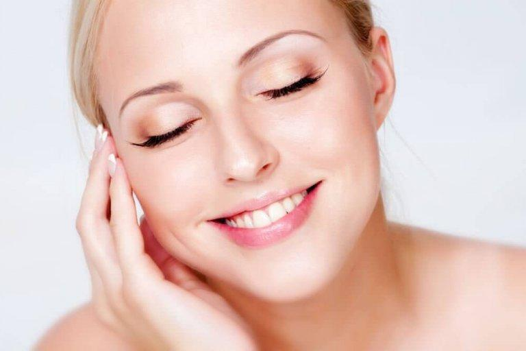 Πώς να χρησιμοποιήσετε το λεμόνι για ένα όμορφο και υγιές δέρμα