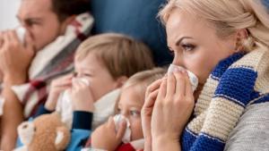 Read more about the article Εποχιακές ιώσεις: Μικρά και απλά μυστικά για να μην κολλήσει όλη η οικογένεια