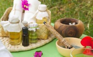 Λάδι ιβίσκου για την επιτάχυνση της ανάπτυξης των μαλλιών