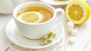 Αφέψημα με λεμόνι, από τα ροφήματα για την αντιμετώπιση της λιπώδης νόσου του ήπατος.
