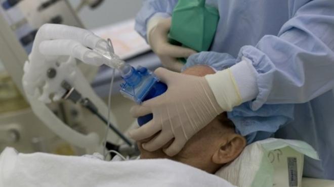 """Έφραξαν οι ΜΕΘ – """"Θερίζει"""" η γρίπη: Δύο νέοι θάνατοι, 30 κρούσματα και 60 άτομα στην αναμονή"""