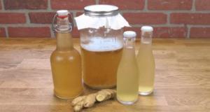 Read more about the article Πώς να φτιάξετε νερό με πιπερόριζα για να χάσετε βάρος