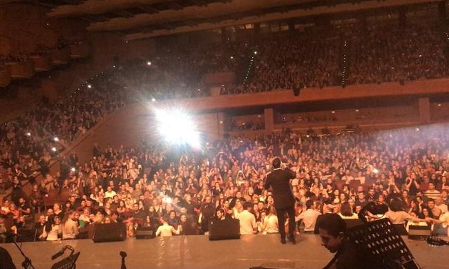 Γιάννης Πλούταρχος: Το αδιαχώρητο με 4.000 κόσμο σε συναυλία του