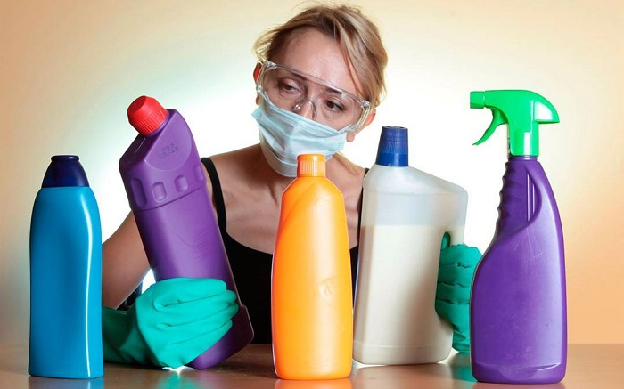Χημικά καθαριστικά: Χειρότερα από το κάπνισμα 20 τσιγάρων ημερησίως