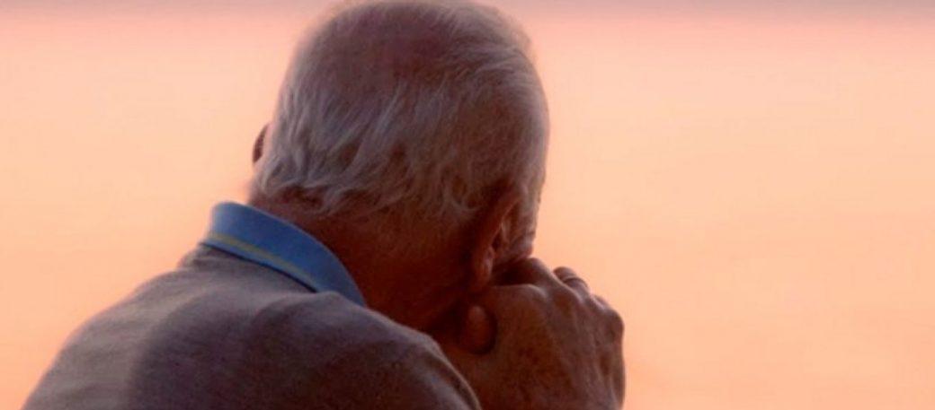 Παρίστανε τον κουφό για 62 χρόνια για να γλιτώσει από την γκρίνια της συζύγου του