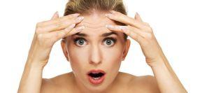 Καθημερινές συνήθειες που γερνούν το δέρμα μας