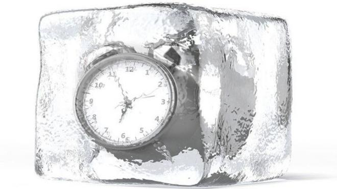 Δείτε πώς να κάνετε απόψυξη στο ψυγείο σας σε χρόνο μηδέν