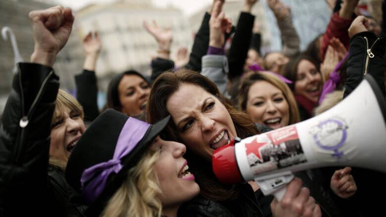 Read more about the article Φεμινιστική απεργία: Σήμερα για πρώτη φορά στην Ελλάδα