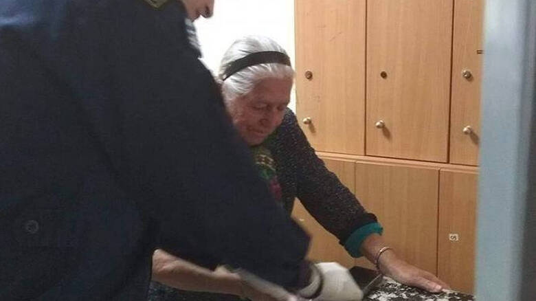 Read more about the article Bίντεο-ντοκουμέντο από τη Θεσσαλονίκη: Έτσι συμπεριφέρθηκαν στην 90χρονη οι αστυνομικοί
