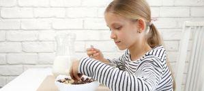 Κίνδυνος υποσιτισμού για τα παιδιά που δεν τρώνε πρωινό