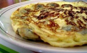 Μοναστηριακό πρωινό: Ομελέτα με μπανάνες!