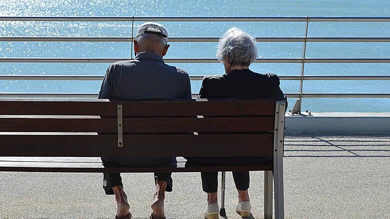 Ηλικιωμένοι στην Κρήτη «κλέφτηκαν» για να ζήσουν τον έρωτά τους