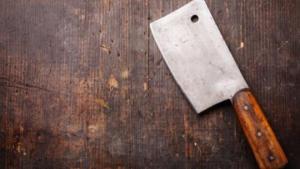Read more about the article Παρ' ολίγον τραγωδία στην Καλαμάτα: 39χρονη χτύπησε με μπαλτά τον σύζυγό της στο κεφάλι